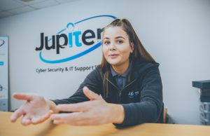 Custom support desk assistant. Jupiter IT. IT support Hull